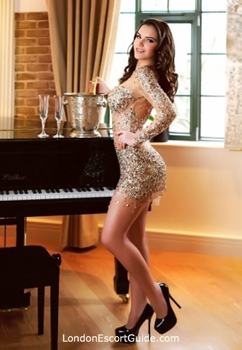 Kensington brunette Edita london escort