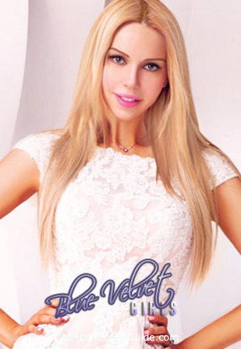 Chelsea busty Polina london escort