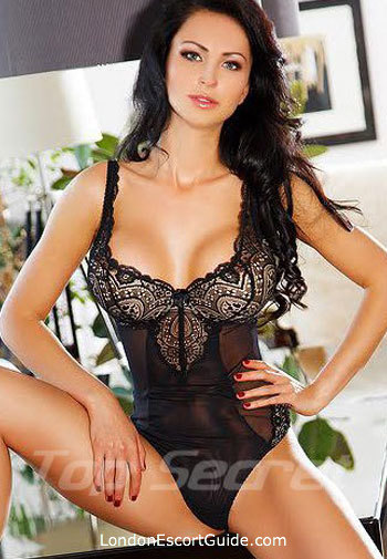 South Kensington brunette Anabel london escort