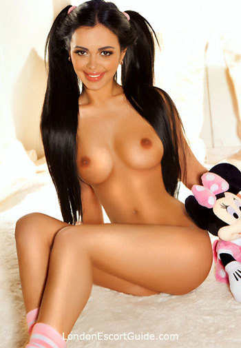 Baker Street brunette Nata london escort
