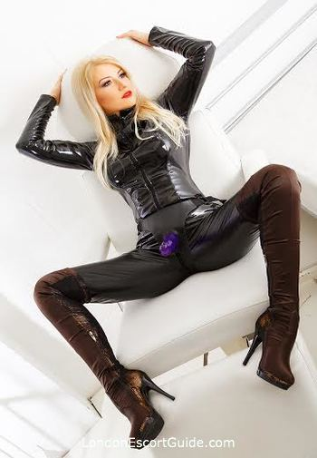 Paddington blonde Stephanie london escort