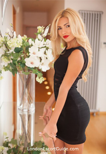 Bayswater blonde Trisha london escort