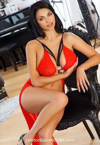 South Kensington brunette Fernanda london escort