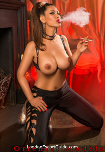 Bayswater busty Kay london escort