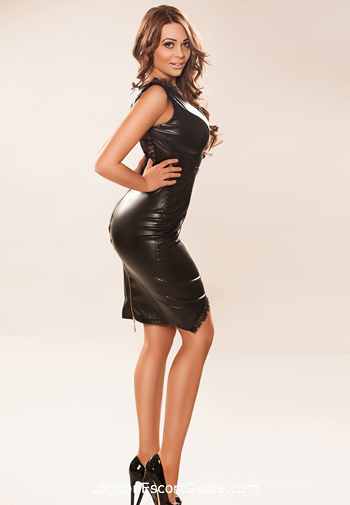 Notting Hill brunette Michelle london escort