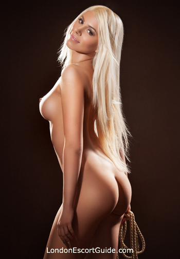 Bayswater blonde Lola london escort