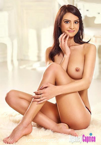 Knightsbridge brunette Stella london escort