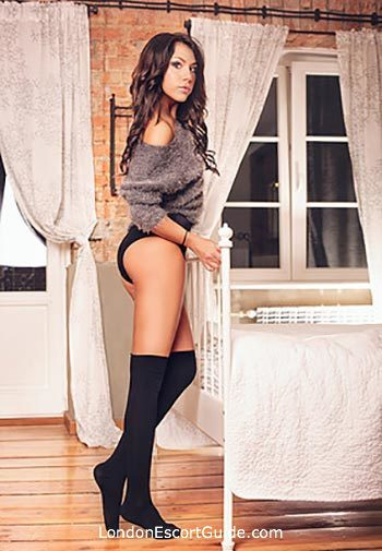 Mayfair brunette Natalie Fox london escort