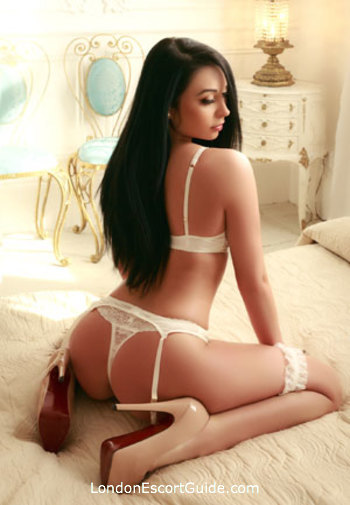 Mayfair latin Soraya london escort