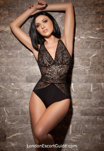 Bayswater brunette Cleopatra london escort