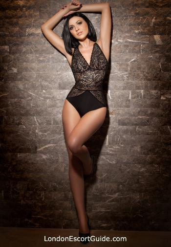 Outcall Only brunette Cleopatra london escort