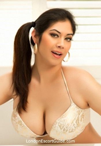 Bayswater busty Veena london escort