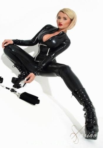 Kensington blonde Danette Mistress london escort