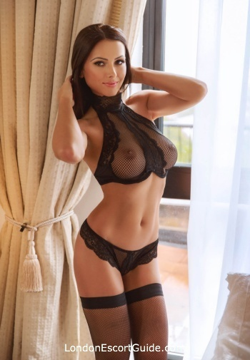 Chelsea brunette Alicia london escort