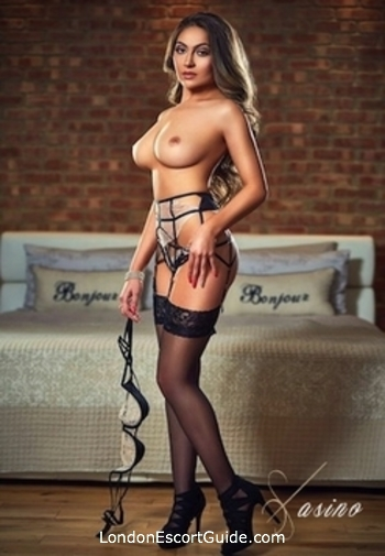 Kensington brunette Deborah london escort