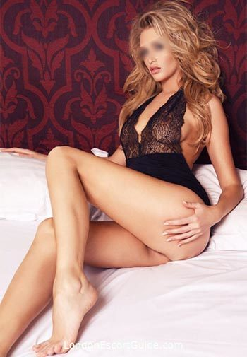 South Kensington blonde Luna london escort