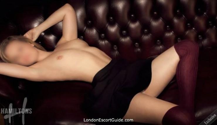 Mayfair brunette Sophia london escort