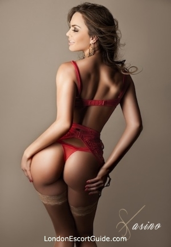 Mayfair brunette Carminda london escort