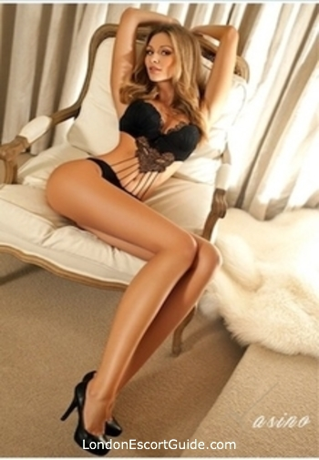 Notting Hill brunette Fabiana london escort