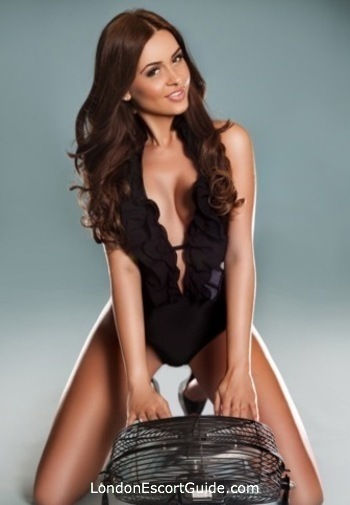 South Kensington brunette Aisha london escort