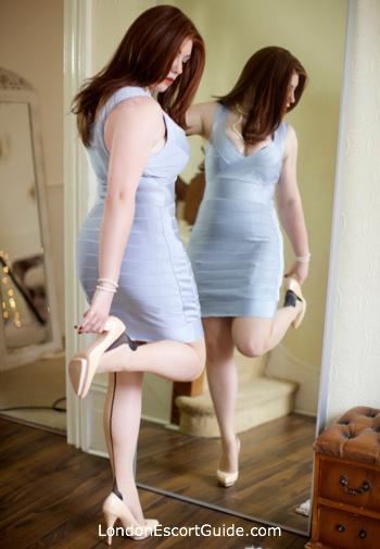 central london busty Faye Summers london escort