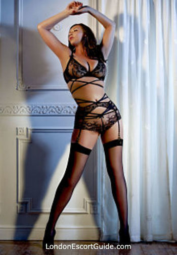 Notting Hill brunette Kate English london escort