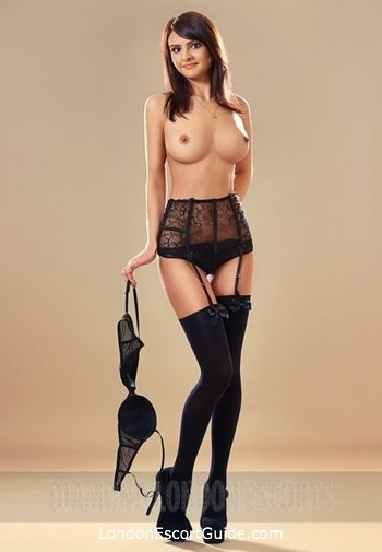 Bayswater busty Mariah london escort