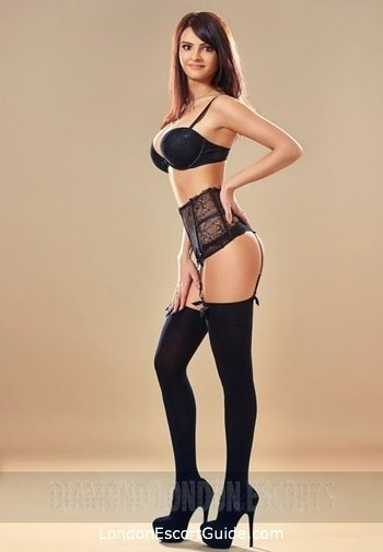 Bayswater brunette Mariah london escort
