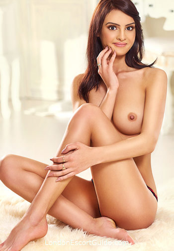 Bayswater brunette Gabriela london escort