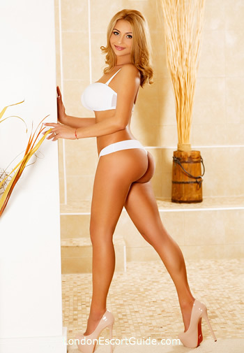 South Kensington under-200 Elle london escort