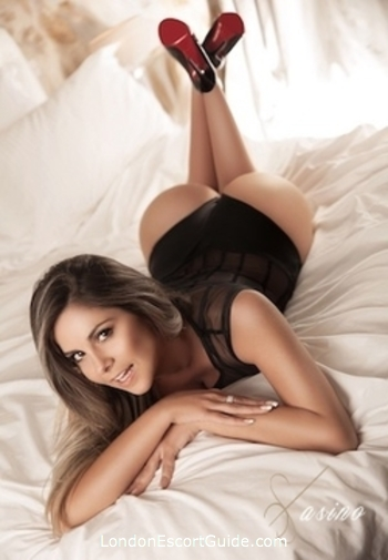 Victoria elite Aniston london escort
