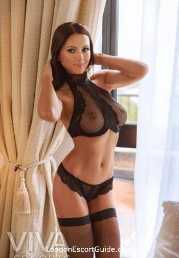 Chelsea value Kennice london escort