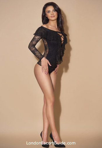 Bayswater brunette Merinda london escort