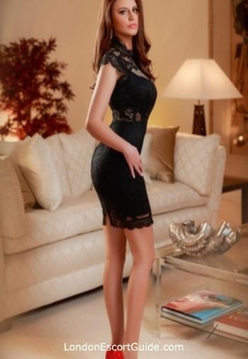 Bayswater brunette Izzi london escort
