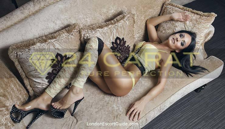 Bayswater brunette Anais london escort