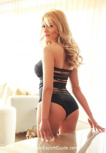Bayswater blonde Sarita london escort