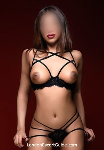 Paddington brunette Aamira london escort