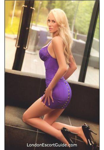 Bayswater blonde Iza london escort