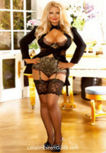 Bayswater blonde Foxy london escort