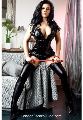 Kensington brunette Ana london escort
