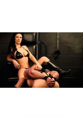 Kensington a-team Ana london escort