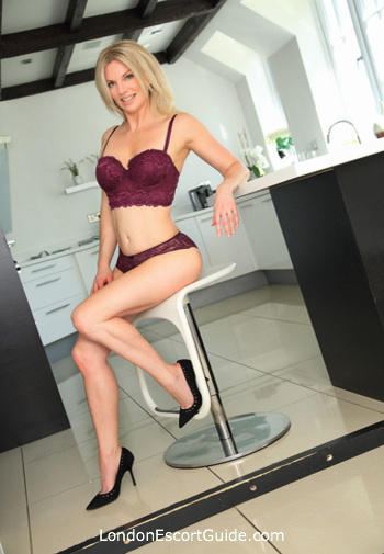 Victoria mature Penny london escort