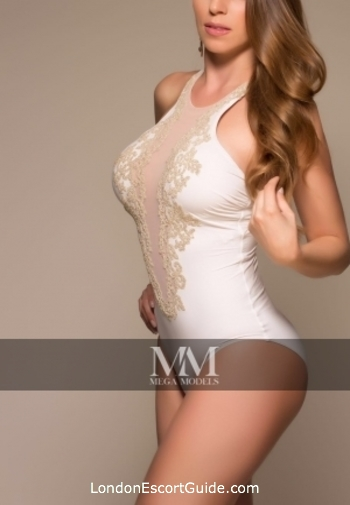 Chelsea elite Demetria london escort