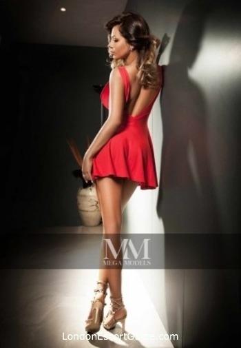 Mayfair brunette Gloria london escort