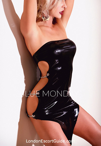 Kensington blonde Estella london escort