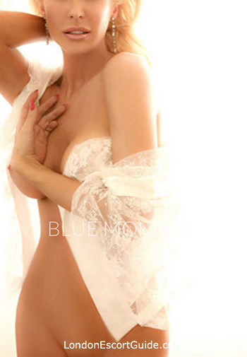 Kensington elite Estella london escort