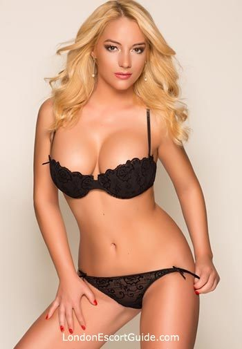 Bayswater blonde Sofia london escort
