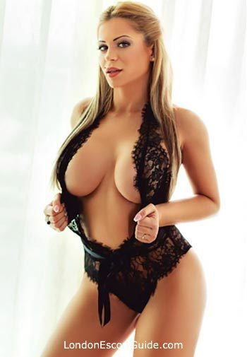 South Kensington blonde Dixie london escort