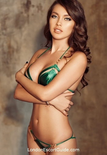 Knightsbridge brunette Milana london escort