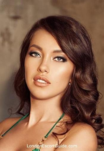 Chelsea brunette valeriya london escort